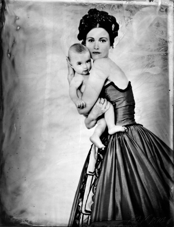 renata vogl scanned original ferrotype, mother with child NO2, original size 13x10 cm