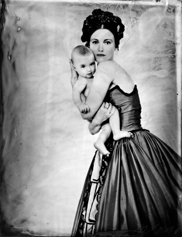 renata vogl scanned original ferrotype, mother with child NO2, original size 13x10 cm