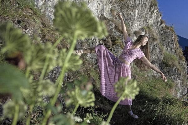 Renata Hazáková dance at home NO 5